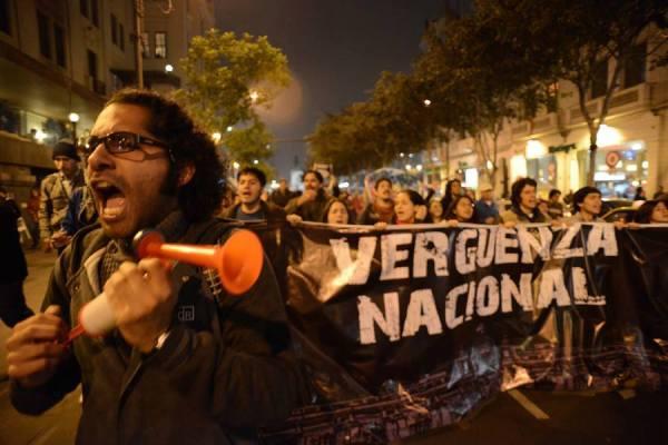 De la protesta en redes sociales a la marcha en las calles.